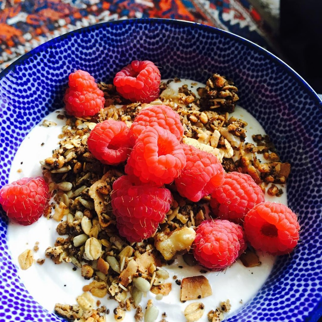 GRANOOOLALA  Lekker ontbijtje met mijn nieuwe granola addict coffeehellip